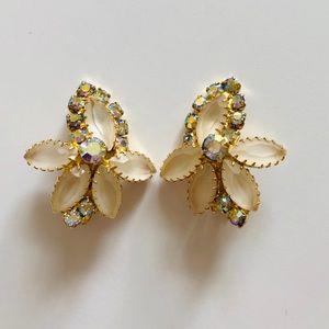 Jewelry - Vintage Crystal Rhinestones Clip On Earrings